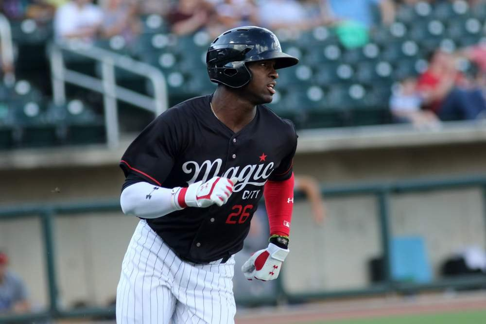Luis Robert Top Outfield Prospects